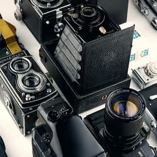 Kamerat ja tarvikkeet